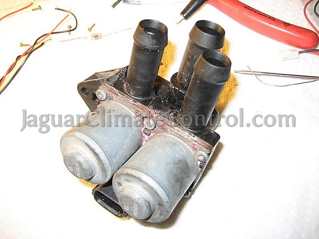 dual coolant control valve DCCV a.k.a. heater valve 02 diy diagnose it yourself jaguarclimatecontrol com  at gsmx.co